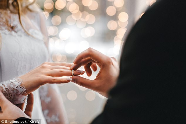 It might seem like the most romantic day of the year to get married. But couples who pick Valentine¿s Day to tie the knot are more likely to end up divorced, a study has shown