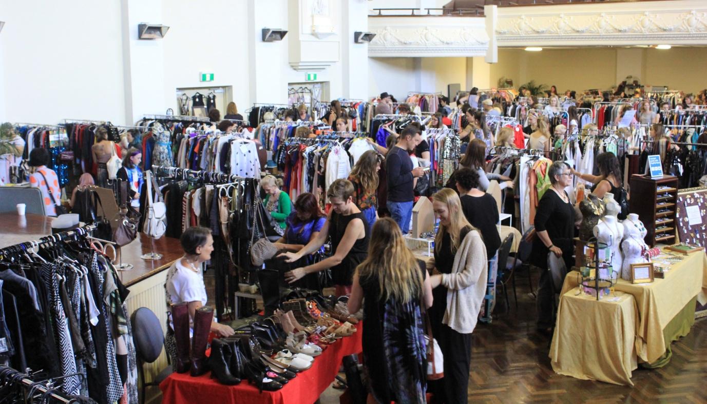 D:\Sally Bai\生活网文章\0808\melbourne-fashion-market1.JPG