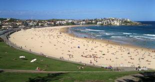 Bondi Beach Sydney Australia 7.jpg