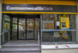 https://upload.wikimedia.org/wikipedia/commons/thumb/5/50/Commonwealth_Bank_branch_office.jpg/1024px-Commonwealth_Bank_branch_office.jpg