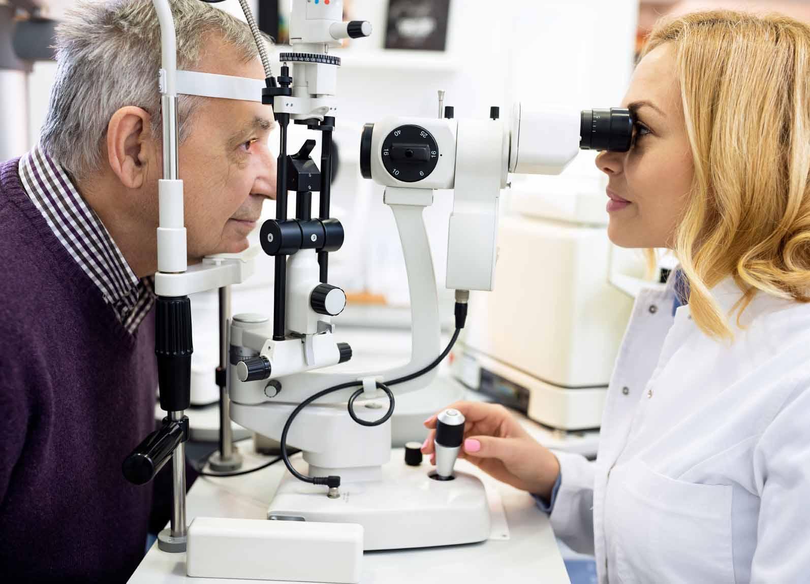 Z:\615-20181006\Final\B Section\B22-26 health\Senior-eye-care.jpg