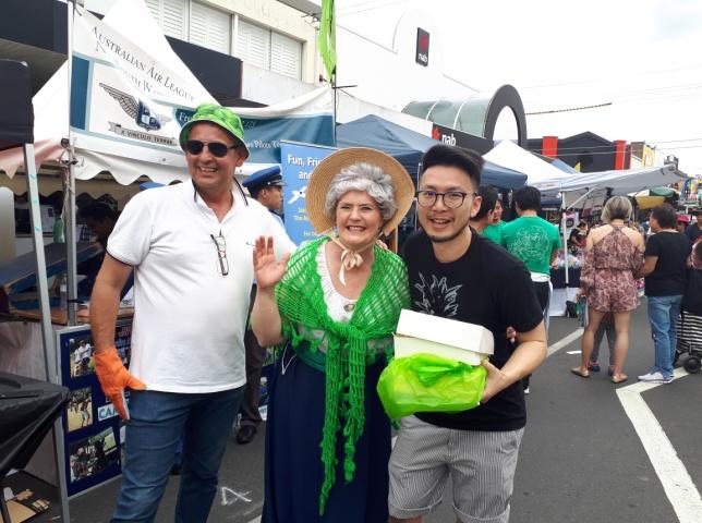 Z:\618-20181027\Final\A Section\AA11-Community\community\Granny Smith\Granny Smith獎的獲獎者與Granny Smith合影.jpg