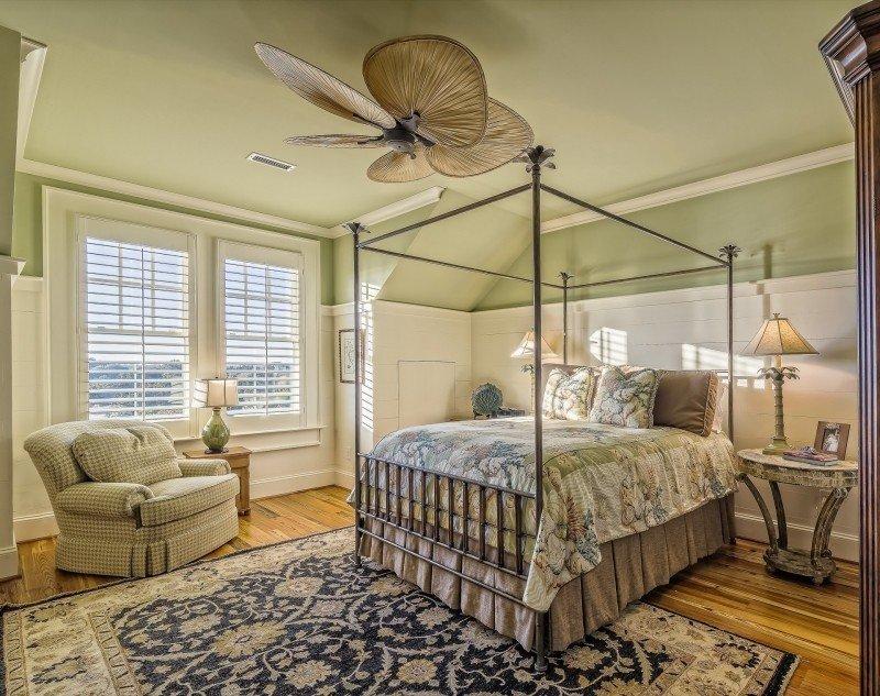 https://visualhunt.com/photos/1/bedroom-architectural-interior-lifestyle.jpg?s=l