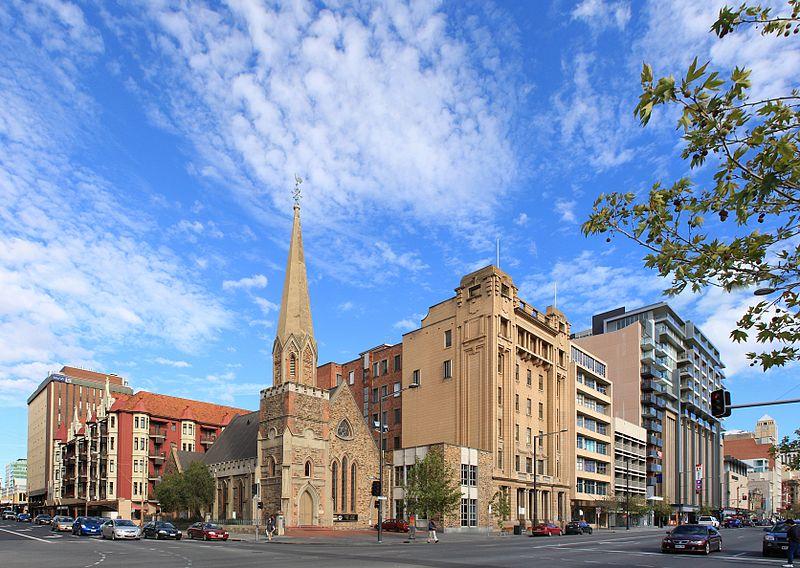 https://upload.wikimedia.org/wikipedia/commons/thumb/7/79/Adelaide_nth_tce1.8.jpg/800px-Adelaide_nth_tce1.8.jpg