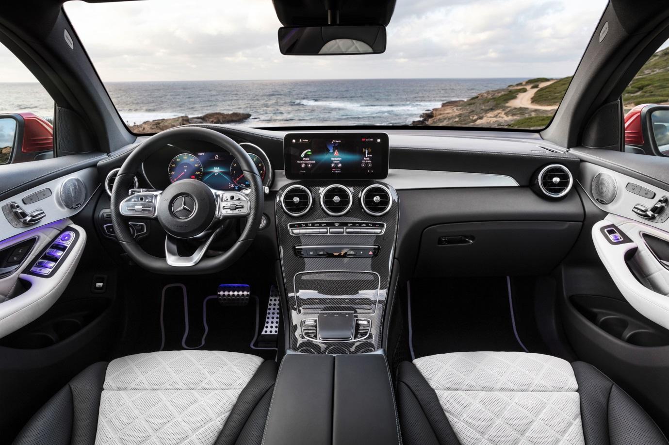 C:\Users\Jialing\Desktop\20190410\640-Car Guide\GLC-full\5c91c61fec05c43b7500003b.jpg