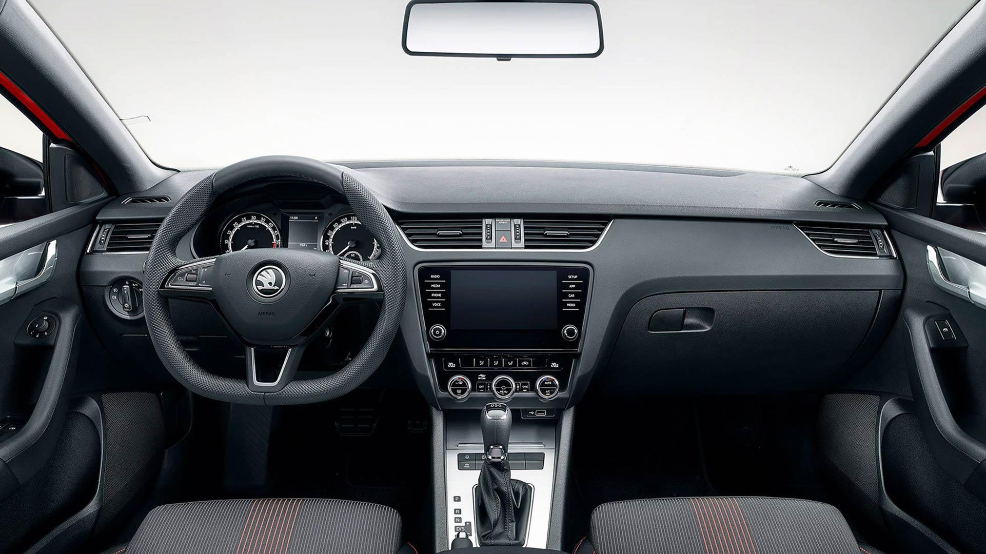 C:\Users\Jialing\Desktop\20190410\640-Car Guide\Octavia Sportline-half\2019-Skoda-Octavia-SportLine-UK-003.jpg