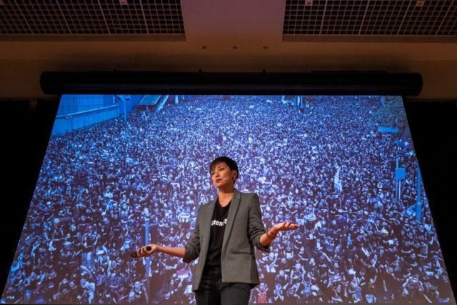 香港歌星何韵诗作为香港反送中见证人 将在17日的美国听证会出席(图片来源:Asanka Ratnayake/Getty Images)