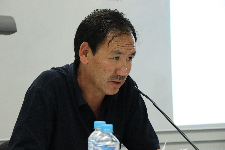 西藏流亡政府駐澳洲官員格桑堅參在發言。(攝影/張格格)