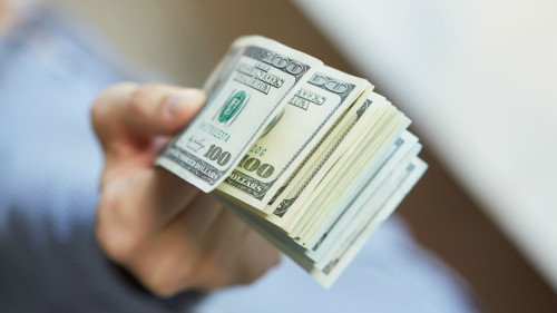 大学学费飞涨,取得四年制学位再也不是财务的保证了。但是有个行业工作机会广泛、薪酬高,偏偏多数家长都不愿意让子女投入。