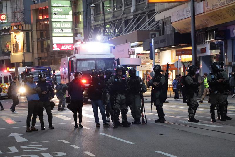 民阵1208游行 警民中环对峙