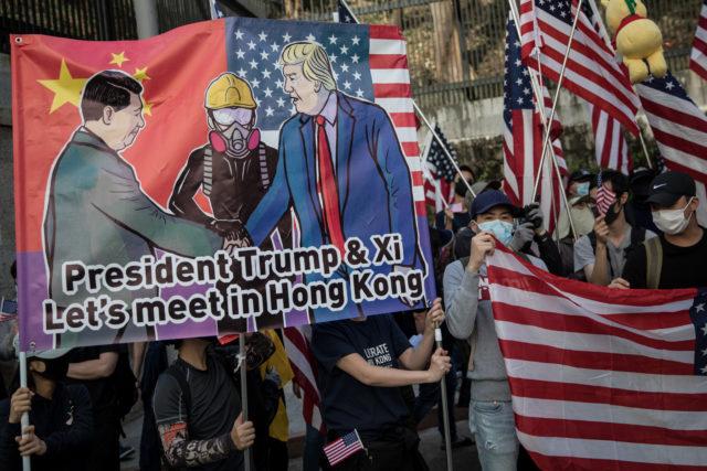 美国签署香港法案后中国表示对5家NGO进行制裁(图片来源: Chris McGrath/Getty Images)