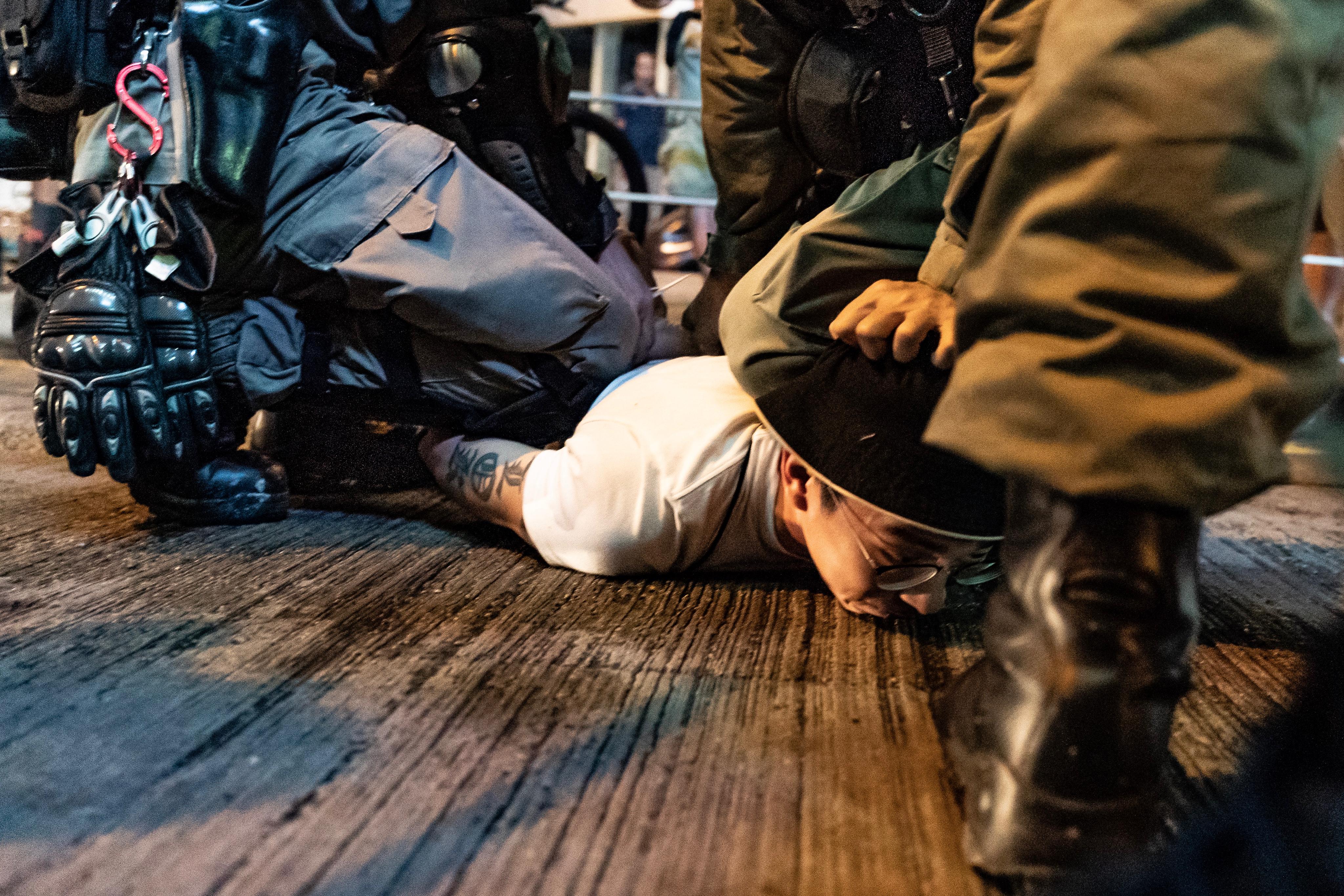 香港警察在反送中運動涉及過度執法的行為引發爭議。(圖片來源:Anthony Kwan/Getty Images)