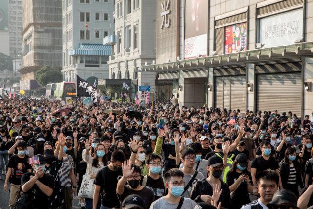 """2019年12月1日香港""""反送中""""示威游行。 (图片来源:Chris McGrath/Getty Images)"""