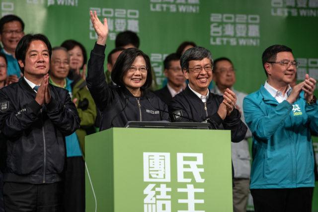 1月11日晚,蔡英文总统以800万票,在台湾大选中获得压倒性胜利,成功连任。(图片来源:Carl Court/Getty Images)