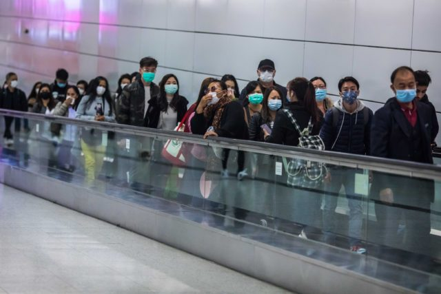 武汉旅游局表示目前仍有4000多武汉人仍在境外(图片来源: DALE DE LA REY/AFP via Getty Images)