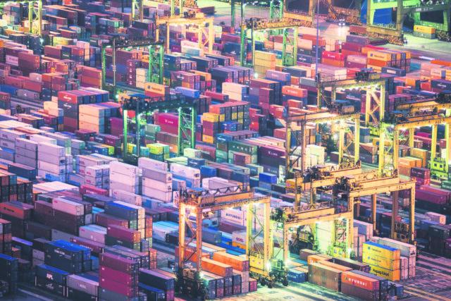 墨市港口集装箱费用暴涨 消费者买单