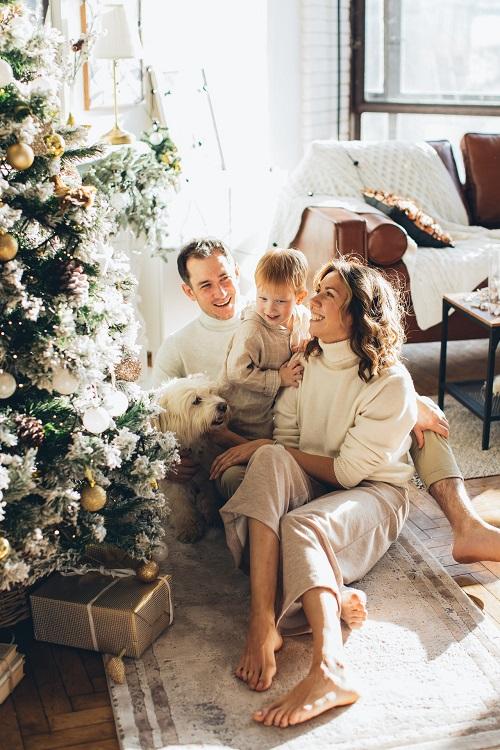 圣诞树和家人