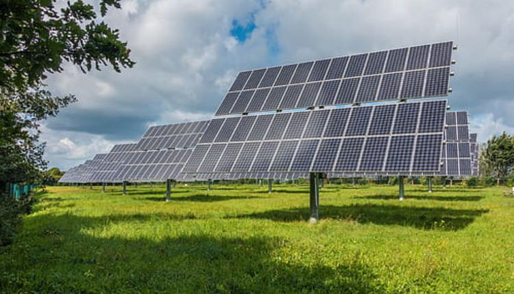 太阳能板示意图(图片来源:Piqsels).jpg